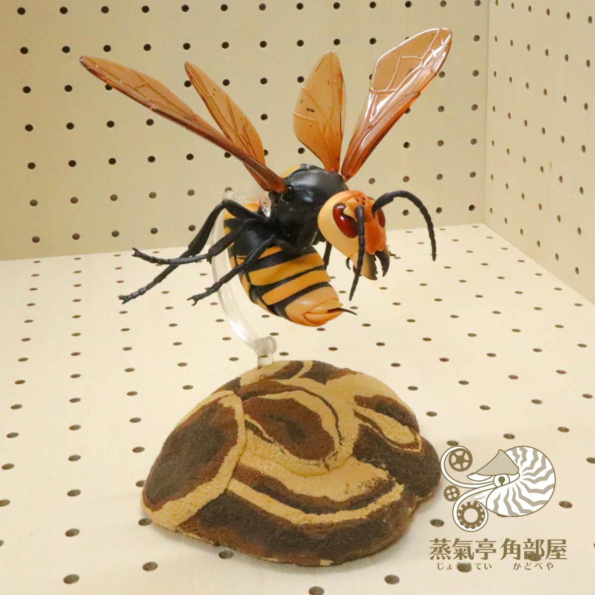スズメバチ攻撃態勢!